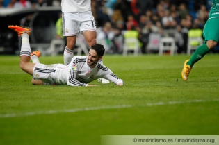 Isco laughing on the floor