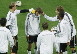 Manuel+Neuer+Thomas+Mueller+Germany+Training+1RNSKYz6zFql