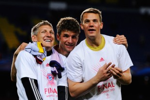 Manuel+Neuer+Thomas+Muller+Barcelona+v+FC+lmR2snpDC11l