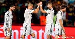 Pepe and Benzema fist bumps
