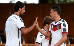 Sami-Khedira-Mesut-Ozil-Germany