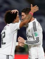 Sergio gives Marcelo head rubs