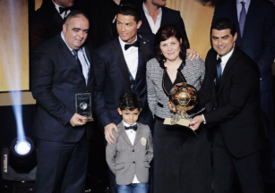 Cris and his family