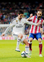Isco takes on Juanfran