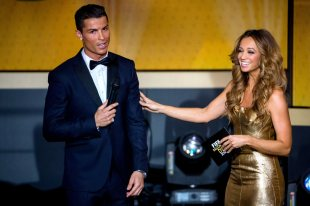 Kate Abdo gets to touch Cris