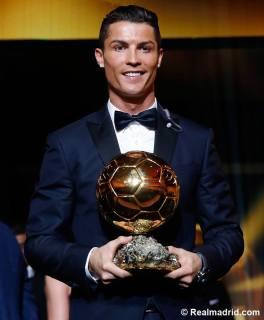Ronaldo with award