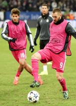 Benzema warm up