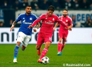 Lucas Silva controls the ball
