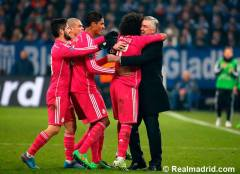 Marcelo celebrates his goal with Ancelotti
