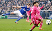 Varane can't block Huntelaar's shot
