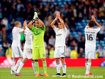 Applauding the fans