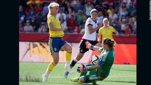 150620202914-04-wwc-germany-sweden-super-169