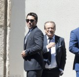 2B0F881E00000578-3183893-Former_Chelsea_and_Barcelona_midfielder_Deco_wore_a_suit_and_sha-a-3_1438616420369