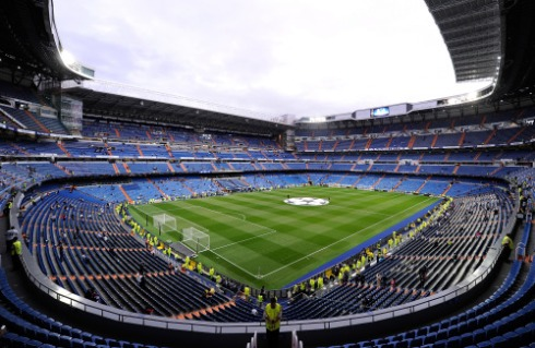 MADRID, SPAIN - SEPTEMBER 15: General view of the Santiago Bernabeu stadium ahead of the UEFA Champions League Group A match between Real Madrid and Shakhtar Donetsk at estadio Santiago Bernabeu on September 15, 2015 in Madrid, Spain. (Photo by Denis Doyle/Getty Images)