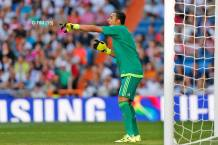 Keylor directs his troops