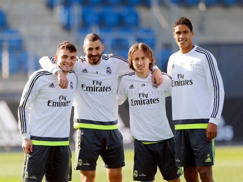"""""""Quick! Round up the least controversial players for a photo op with Benz!"""""""