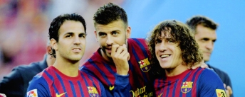 BARCELONA, SPAIN - AUGUST 22: Cesc Fabregas (L) and Gerard Pique (C) and Carles Puyol of FC Barcelona joke prior the Joan Gamper Trophy match between FC Barcelona and SSC Napoli at the Camp Nou Stadium on August 22, 2011 in Barcelona, Spain. (Photo by David Ramos/Getty Images)