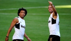 2013-01-21-marcelo-pepe-training-daumen-hoch
