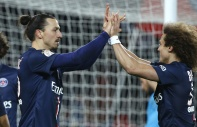 PARIS, FRANCE - JANUARY 30: Zlatan Ibrahimovic and David Luiz of PSG celebrate the goal of Ezequiel Lavezzi of PSG during the French Ligue 1 match between Paris Saint-Germain FC and Stade Rennais FC (Rennes) at Parc des Princes stadium on January 30, 2015 in Paris, France. (Photo by Jean Catuffe/Getty Images)