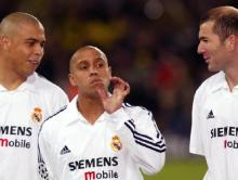 RONALDO - Roberto CARLOS et ZIDANE - Dortmund/ Real Madrid - Champions League 2003 - 25.02.2003 - Foot football - attitude largue sourire im751024
