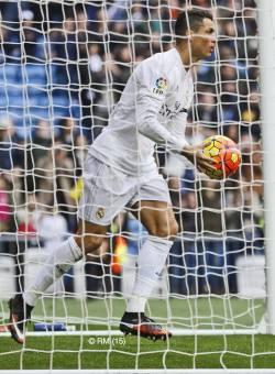 Ronaldo grabs the ball