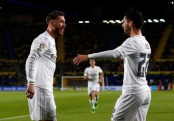 Ramos hugs Isco