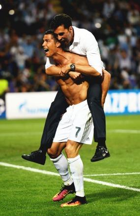 Arbeloa jumps Cristiano