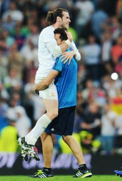 Bale celebrates with Arbeloa