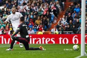 Benzema scores