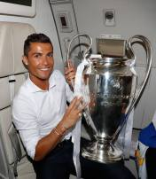 Cris and the cup
