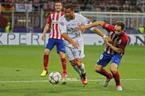 Cris breaks the tackle
