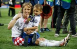 xxx (L) of Real Madrid is challenged by yyy of Club Atletico de Madrid during the Champions League final match between Real Madrid and Club Atletico de Madrid at Stadio Giuseppe Meazza on May 28, 2016 in Milan, Italy.