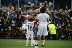 Marcelo and Enzo with photographers