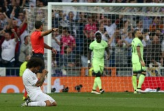 Marcelo on his knees