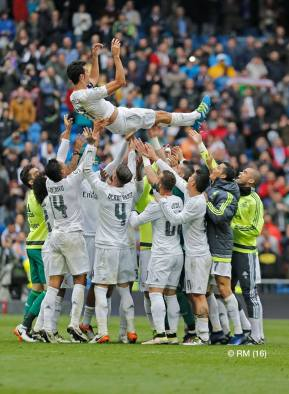 Throwing Arbeloa