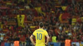 Sweden's forward Zlatan Ibrahimovic stands on the pith at the end of the Euro 2016 group E football match between Sweden and Belgium at the Allianz Riviera stadium in Nice on June 22, 2016. / AFP / JONATHAN NACKSTRAND (Photo credit should read JONATHAN NACKSTRAND/AFP/Getty Images)