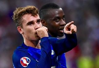 France's forward Antoine Griezmann reacts after scoring a goal during the Euro 2016 group A football match between France and Albania at the Velodrome stadium in Marseille on June 15, 2016. / AFP / FRANCK FIFE (Photo credit should read FRANCK FIFE/AFP/Getty Images)