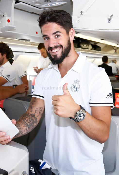 Good to see Isco's thumb is in good order for the new season.