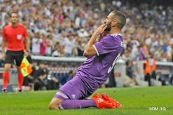 benz-on-his-knees