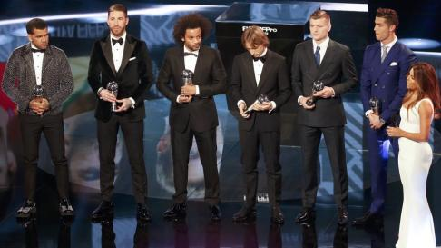 football-soccer-award-awards-ceremony-fifa-world_e4218636-d6a1-11e6-a260-7aa04c68bc63