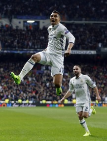 MADRID, SPAIN - FEBRUARY 15: ... of Real Madrid ... during the UEFA Champions League Round of 16 first leg match between Real Madrid CF and SSC Napoli at Estadio Santiago Bernabeu on February 15, 2017 in Madrid, Spain. (Photo by Angel Martinez/Real Madrid via Getty Images)