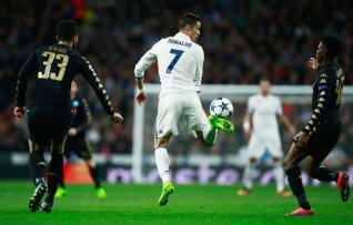 during the UEFA Champions League Round of 16 first leg match between Real Madrid CF and SSC Napoli at Estadio Santiago Bernabeu on February 15, 2017 in Madrid, Spain.